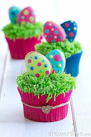 Free Easter Cupcakes Royalty Free Stock Image - 23956536