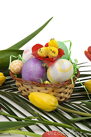 Easter decoration with eggs,chicken and tulips