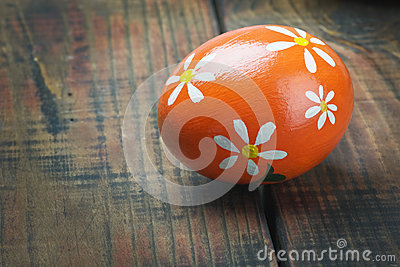 Easter egg painted with flowers