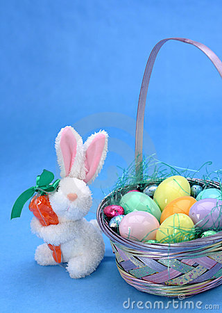 Free Easter Rabbit Royalty Free Stock Images - 79669