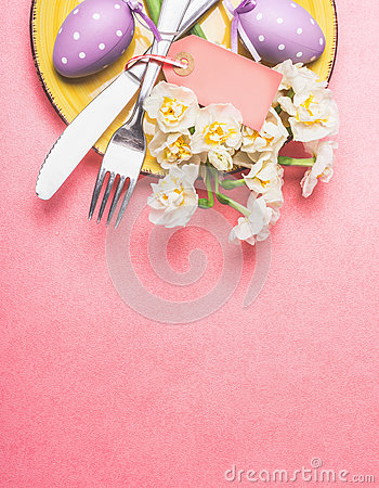 Free Easter Table Place Setting With Nice Daffodils , Cutlery, Plate And Eggs On Pastel Pink Background, Top View Stock Image - 66586231