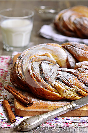 Free Easter Wreath With Cinnamon. Stock Photo - 49673200