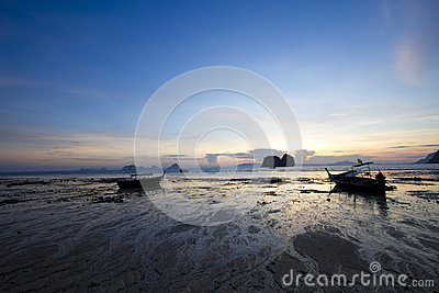 Ebb shore