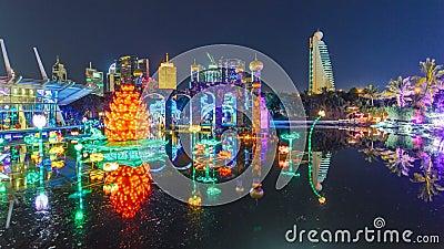 Eben geöffnetes Dubai-Glühen-Garten timelapse ist ein Zustand der Kunstarchitektur umweltfreundliche Architektur kennzeichnend stock footage