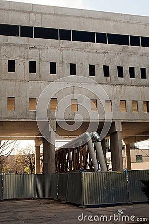 Edifício inacabado