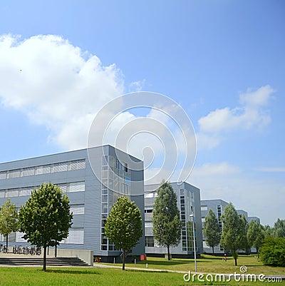 Edifícios altas tecnologia da companhia
