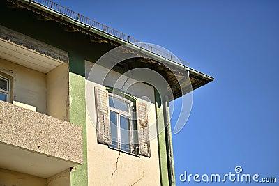 Edificio agrietado