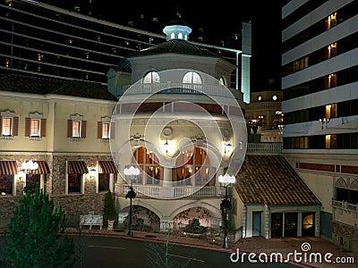 Edificio de lujo moderno del restaurante
