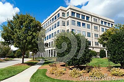 Edificio per uffici suburbano