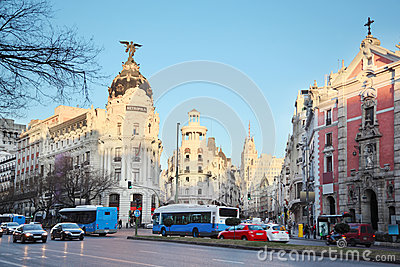 Edifisio Metropolis building on Gran Via street in Madrid Editorial Photography