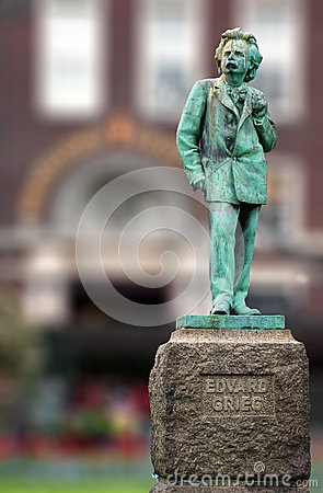 Free Edvard Grieg Norwegian Composer Copper Statue Royalty Free Stock Photo - 53356215