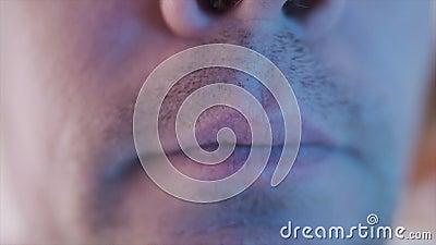Een close-up van een persoon stock footage