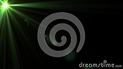 Efecto giratorio de la llamarada de la lente que oscila sobre fondo negro animaci?n 4K metrajes