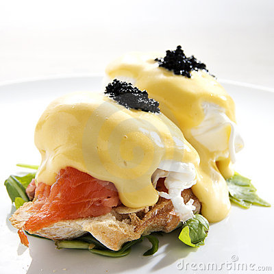 Free Egg Benedict With Smoked Salmon Stock Image - 12830701