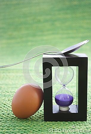 Egg timer and boiled egg