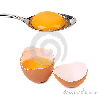 Free Egg Yolk On A Silver Spoon In Shell. Royalty Free Stock Photos - 36192028