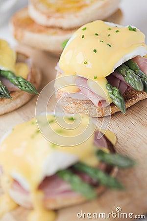 Free Eggs Benedict With Ham & Asparagus Stock Images - 19918904