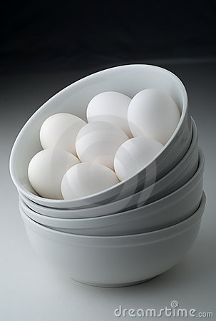 Free Eggs In Stacked White Bowls Stock Images - 3512084
