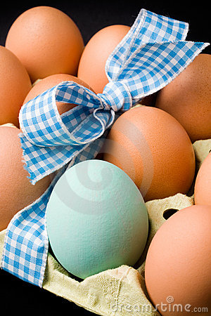 Free Eggs With Ribbon Royalty Free Stock Photos - 12838618