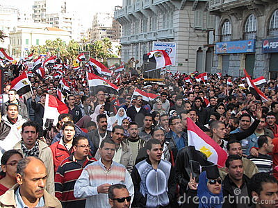 Egiziani che richiedono le dimissioni di Mubarak Fotografia Editoriale