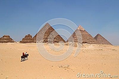 Egyptian piyaminds in Giza Editorial Photo