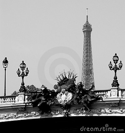 Eiffel contrast