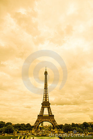 Eiffel in Sepia