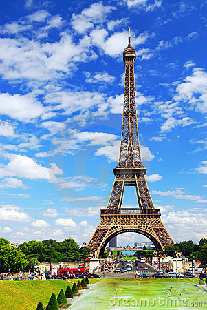 Free Eiffel Tower Royalty Free Stock Image - 2838926