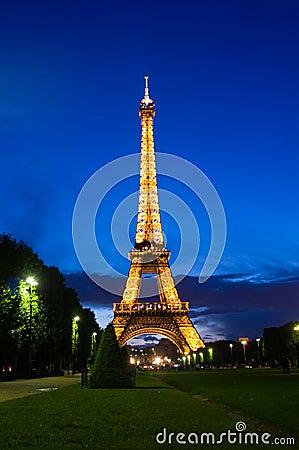 Free Eiffel Tower Royalty Free Stock Photo - 9712655
