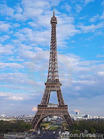 Eiffel tower in afternoon, Par
