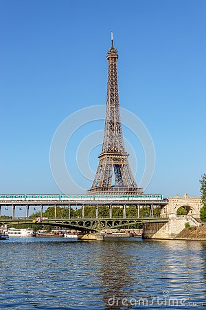 Free Eiffel Tower And Bir-hakeim Bridge - Paris Stock Image - 139343361