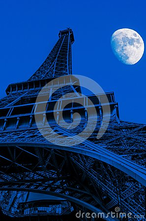 Free Eiffel Tower At Night Royalty Free Stock Photo - 104564495