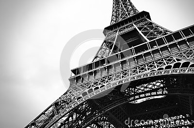Eiffel tower black and white beauty