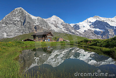 Eiger, Monch u. Jungfrau Bernese Alpen die Schweiz