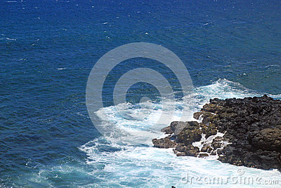Ein kleines Kapitel von Lava und von Pazifik