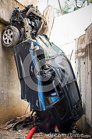 Ein schrecklicher Unfall in der Gebirgsstraße