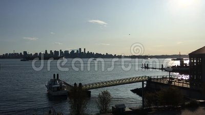 Ein Video über den Abend von North Vancouver stock footage
