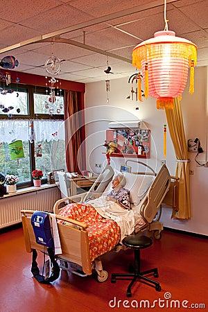 eine alte frau in ihrem bett stockbilder bild 12088384. Black Bedroom Furniture Sets. Home Design Ideas