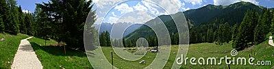 Eine panoramische Ansicht von Dolomiti Alpen Italien