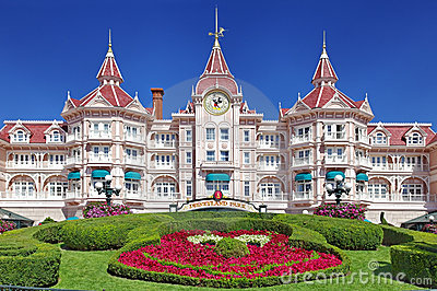 Eingang in Disneyland Paris Redaktionelles Foto