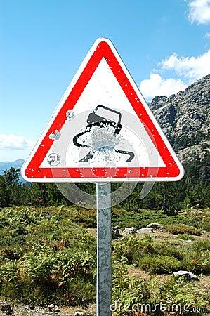 Einschusslöcher auf Verkehrsschild, Korsika