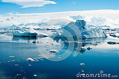 Eisberglandschaft