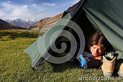 El acampar en el salvaje