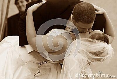 El beso de la boda
