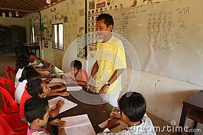 El camboyano del proyecto embroma cuidado Imagen de archivo editorial