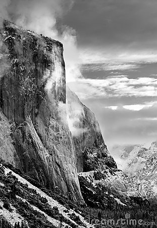 Free El Capitan, Yosemite National Royalty Free Stock Image - 2428996