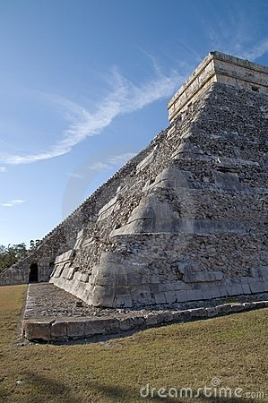 El Castillo (the castle) - Temple of Kukulkan
