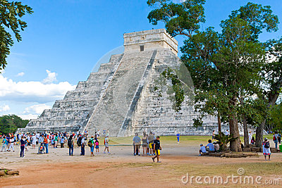 El Castillo pyramid at the Maya archaeological sit Editorial Stock Image