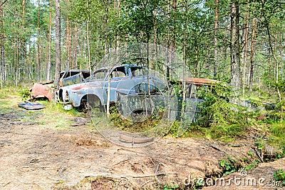 El cementerio viejo del coche