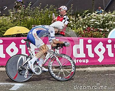 El ciclista francés Jimmy Engoulvent Fotografía editorial